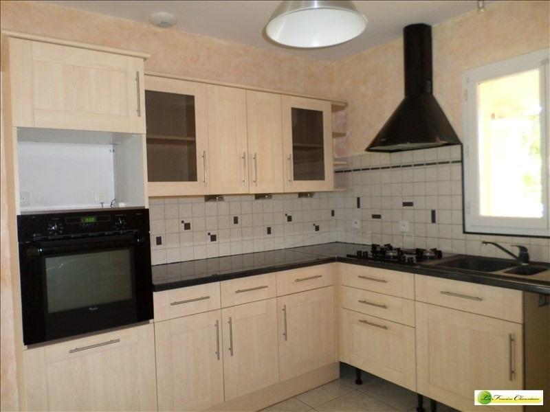 Sale house / villa Roullet st estephe 185000€ - Picture 5