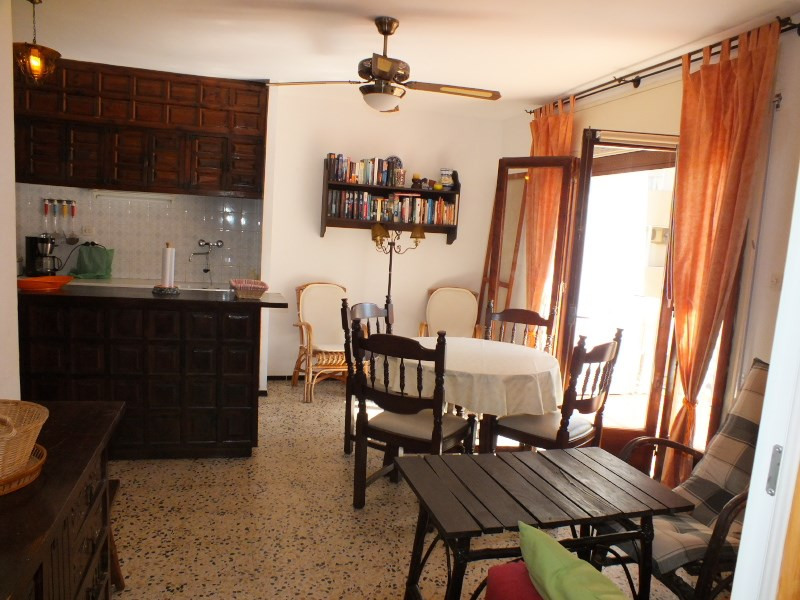 Location vacances appartement Rosas-santa margarita 200€ - Photo 6