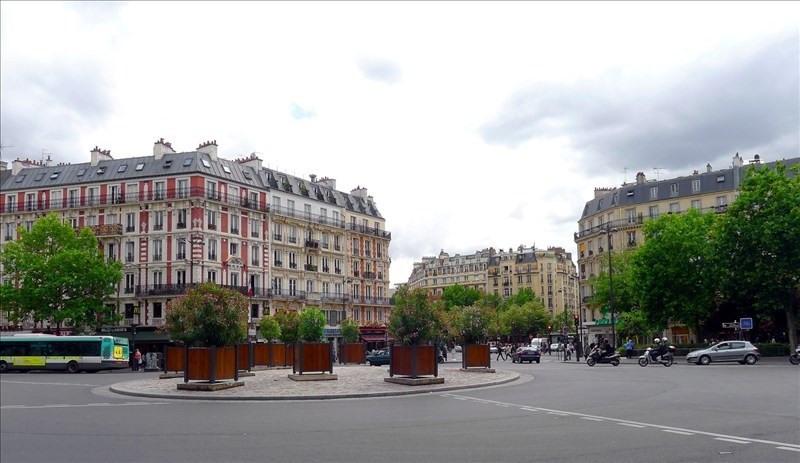 Rental apartment Paris 11ème 895€ CC - Picture 1