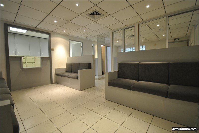 Sale empty room/storage St raphael centre 395000€ - Picture 1