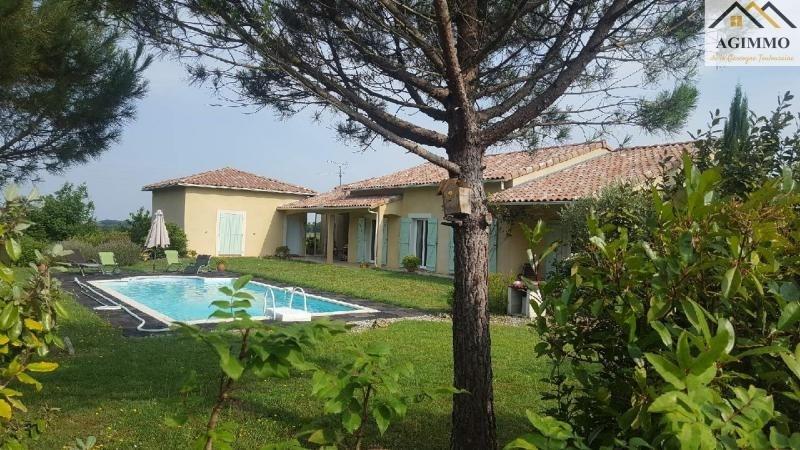 Sale house / villa L isle jourdain 390000€ - Picture 1