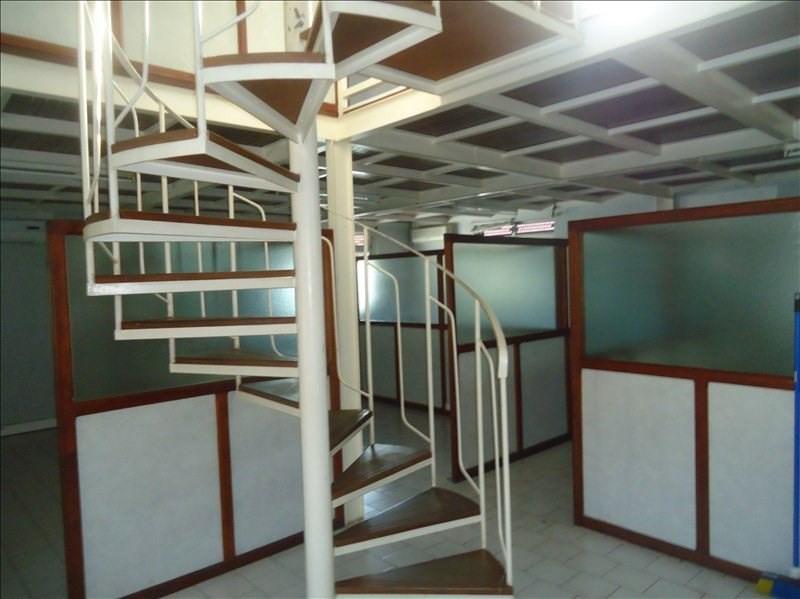 Rental empty room/storage Baillif 10506€ CC - Picture 2