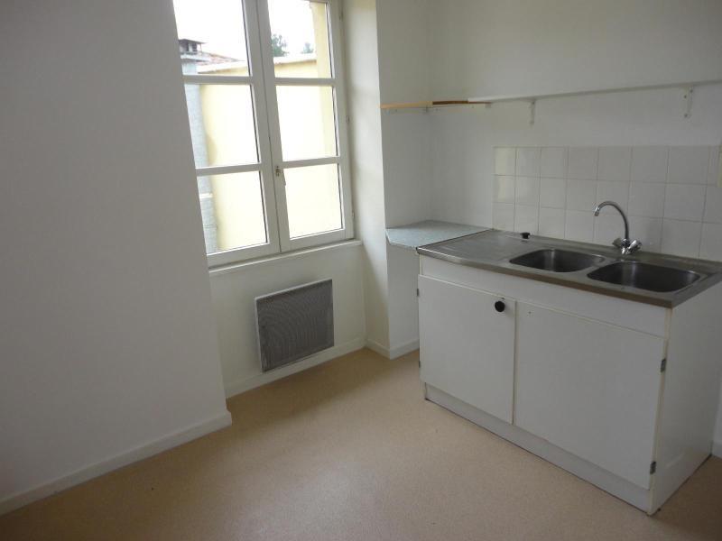 Location appartement Sain bel 536€ CC - Photo 1