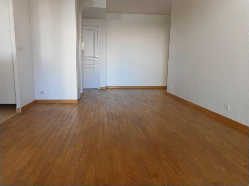 Rental apartment Juvisy sur orge 1009€ CC - Picture 1