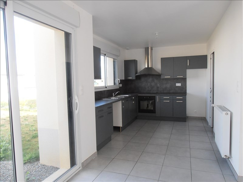 Location maison / villa Chateaugiron 1 100€ CC - Photo 2