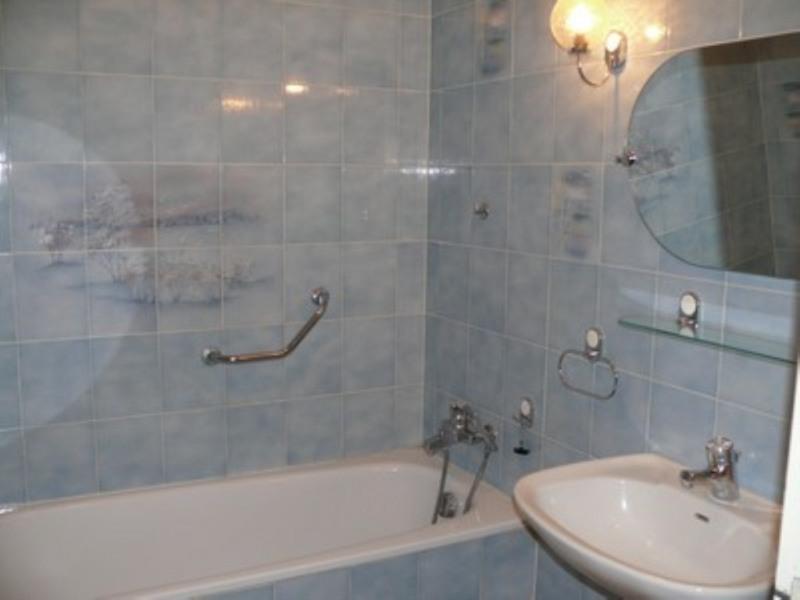 Location appartement Villeneuve-de-berg 420€ CC - Photo 8