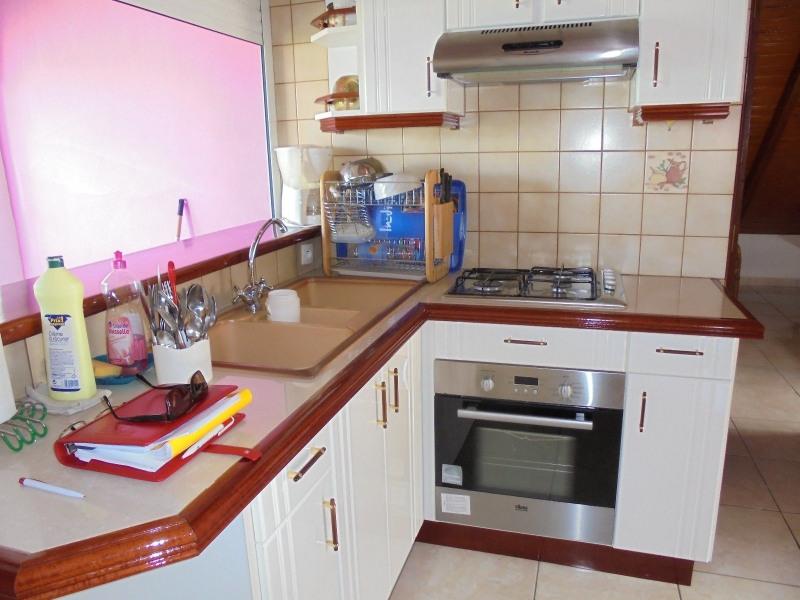 Rental apartment Capesterre belle eau 680€ CC - Picture 4
