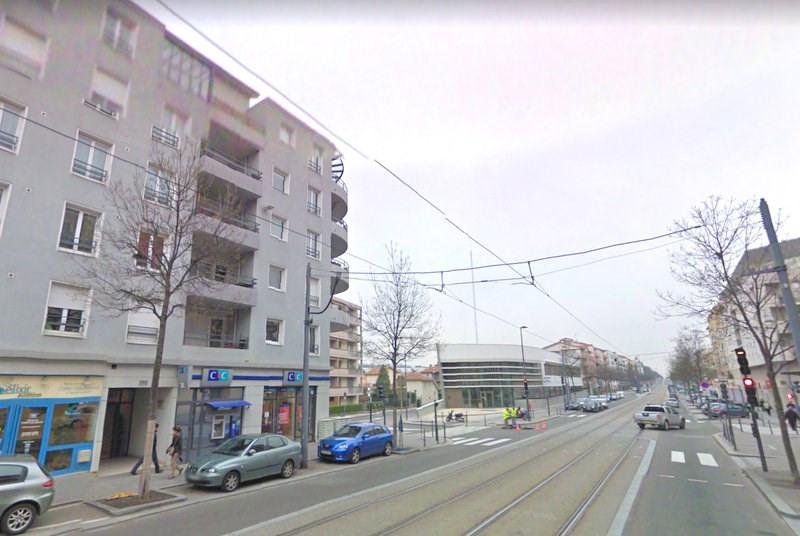 Rental apartment Bron 890€ CC - Picture 3