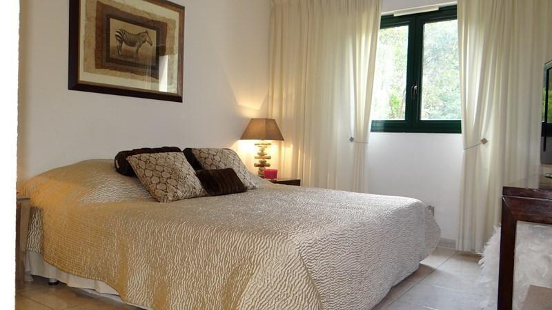 Location vacances appartement Cavalaire 1600€ - Photo 18