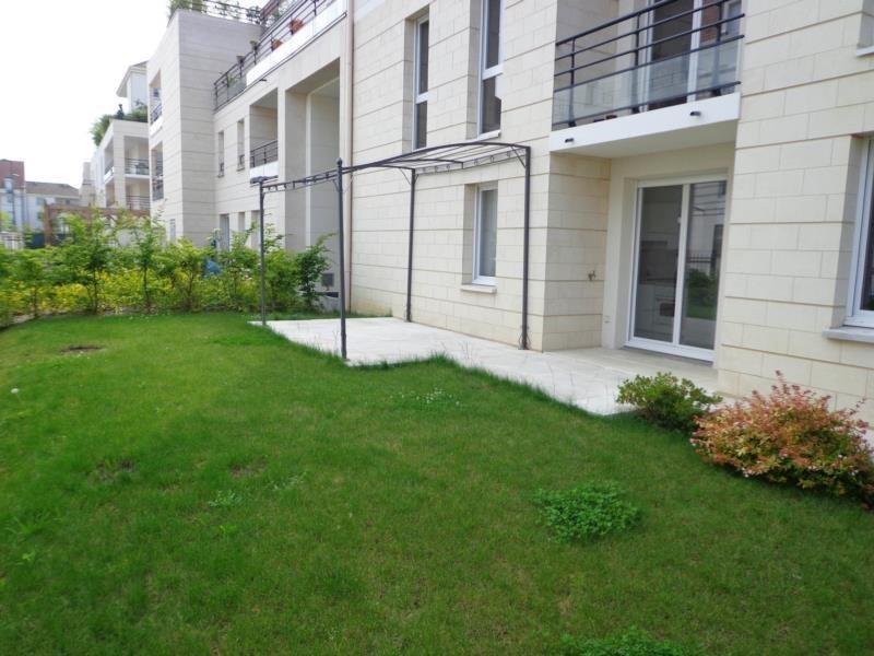 Location appartement Montigny le bretonneux 741€ CC - Photo 3