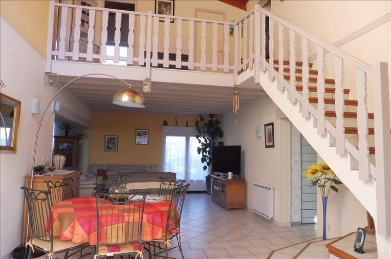 Sale house / villa Proche royan 430500€ - Picture 2