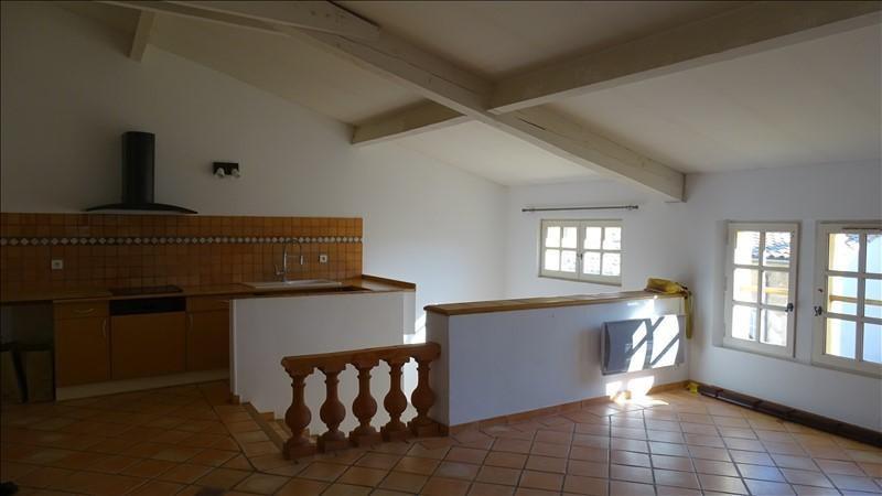 Rental apartment Aix en provence 1270€ CC - Picture 1