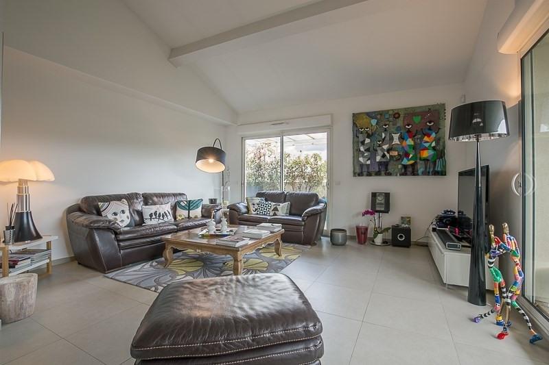 Deluxe sale apartment Bouc bel air 821000€ - Picture 2