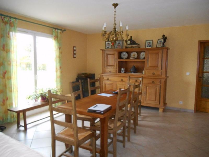 Sale house / villa Crevecoeur le grand 272000€ - Picture 5