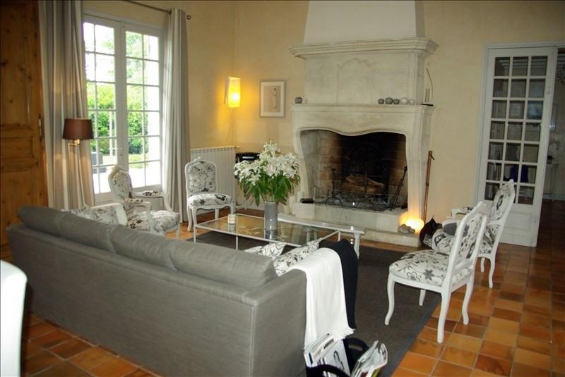 Deluxe sale house / villa St aubin de medoc 644800€ - Picture 2