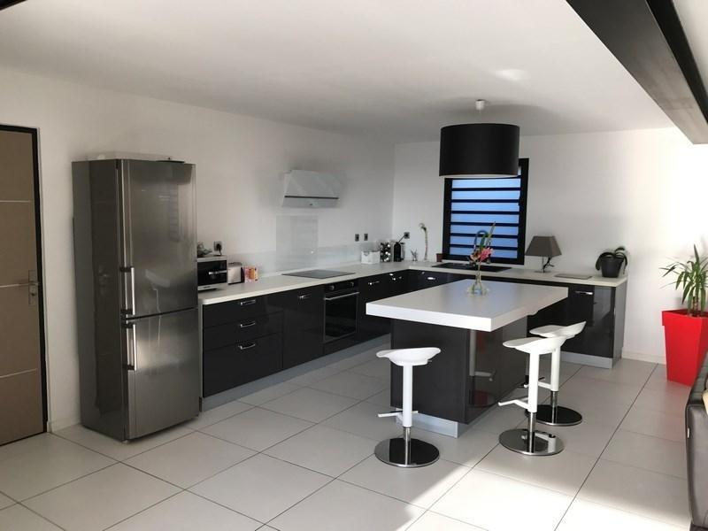 Deluxe sale house / villa St gilles les bains 880000€ - Picture 3