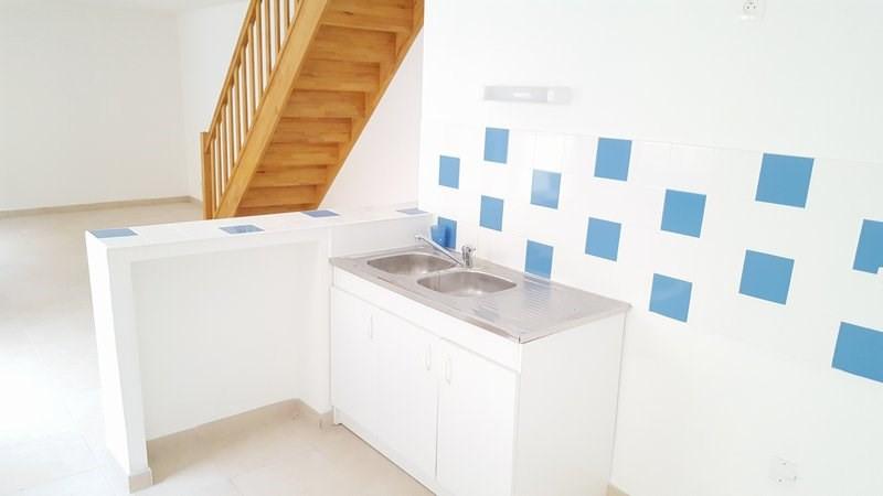 Location maison / villa Isigny sur mer 405€ CC - Photo 2