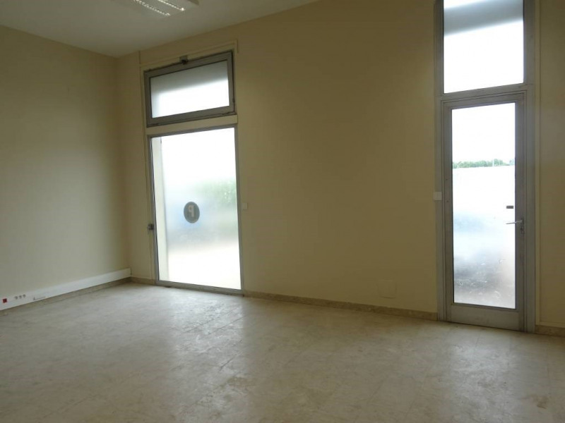 Rental office Avignon 1 913€ CC - Picture 1