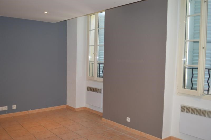 Rental apartment Le muy 750€ CC - Picture 2