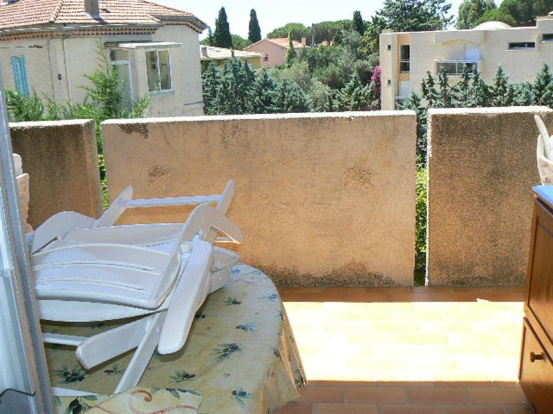 Vacation rental apartment Bandol 245€ - Picture 3