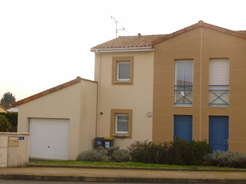 Location maison / villa Migne auxances 605€ CC - Photo 1