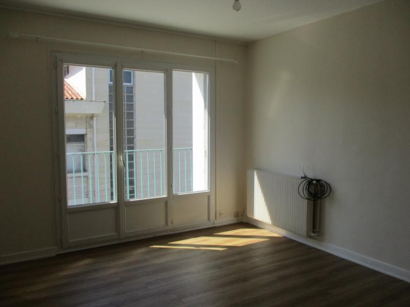 Rental apartment Angoulême 435€ CC - Picture 2
