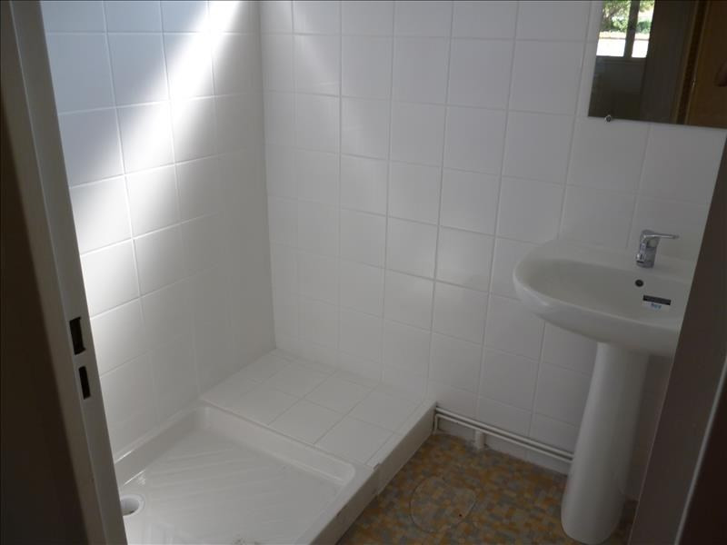 Location appartement Riorges 370€ CC - Photo 2