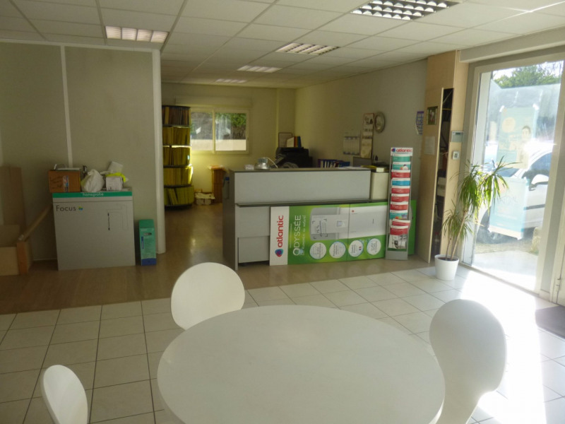 Location local commercial Morieres les avignon 4 000€ HC - Photo 12