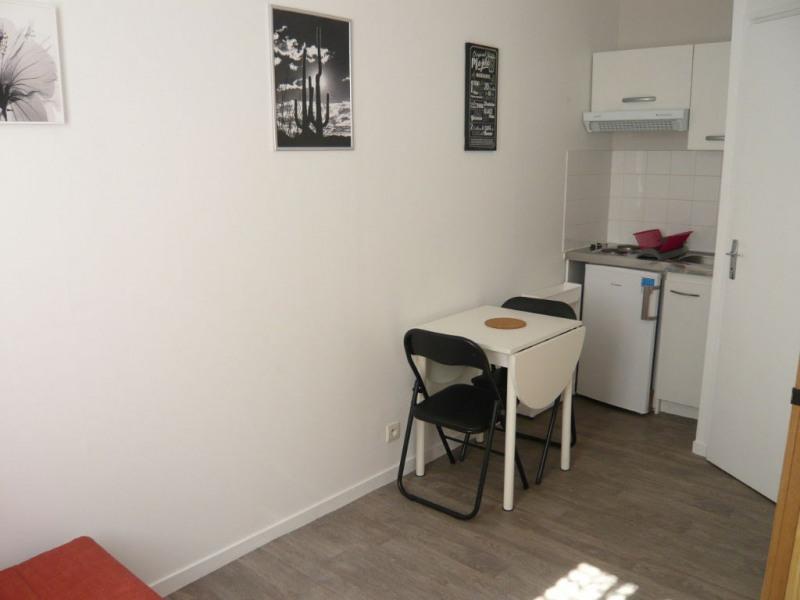 LAVAL Studio meublé de 10 m² au RDC