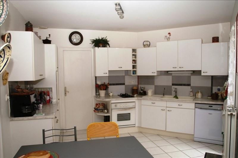 Sale house / villa L'isle d'abeau 295000€ - Picture 4
