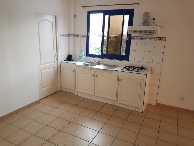 Rental apartment Le tampon 580€ +CH - Picture 3