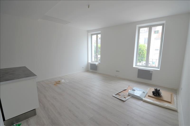 Locação apartamento Croissy sur seine 1150€ CC - Fotografia 2