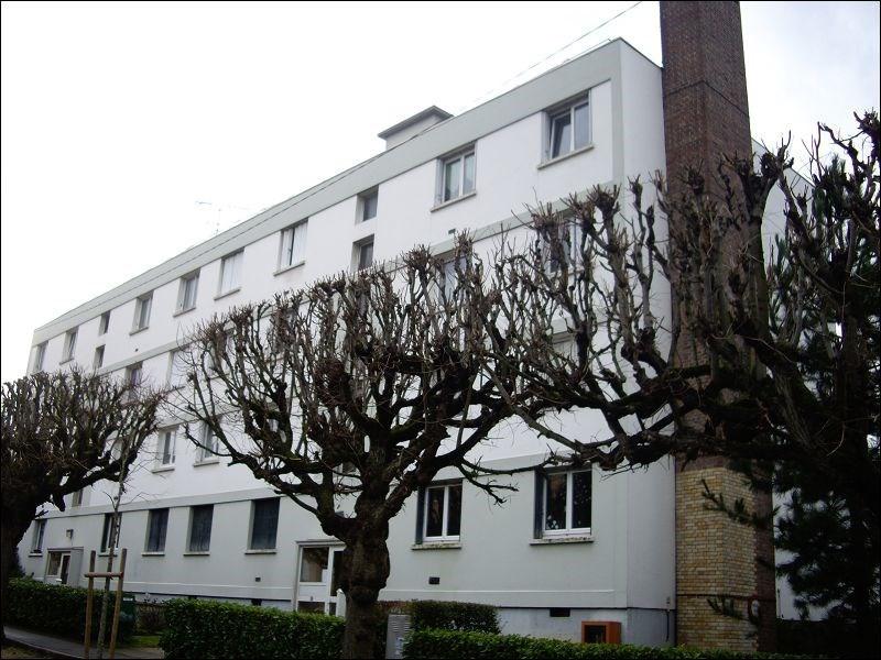 Rental apartment Brunoy 837€ CC - Picture 1
