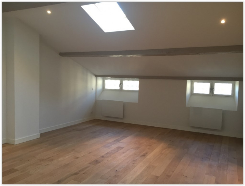Sale apartment Bordeaux 456 000€ - Picture 2