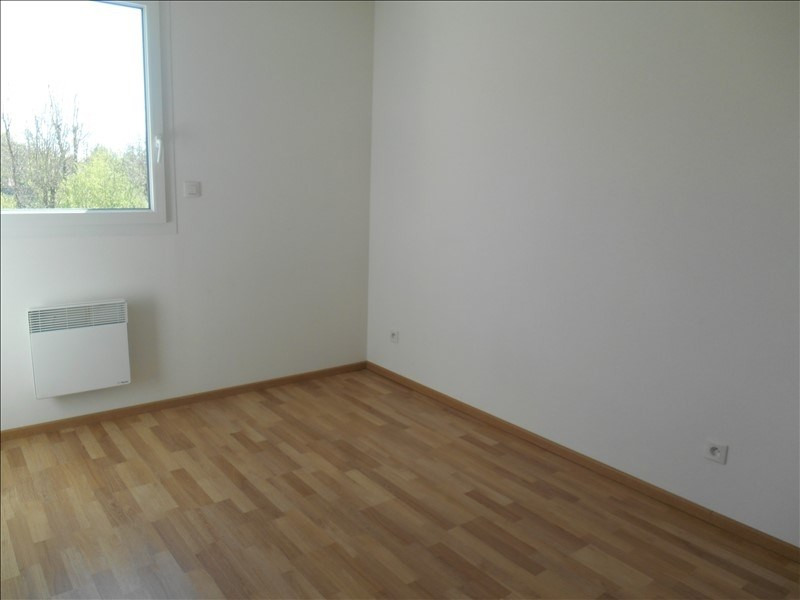 Rental apartment St julien les villas 720€ CC - Picture 6