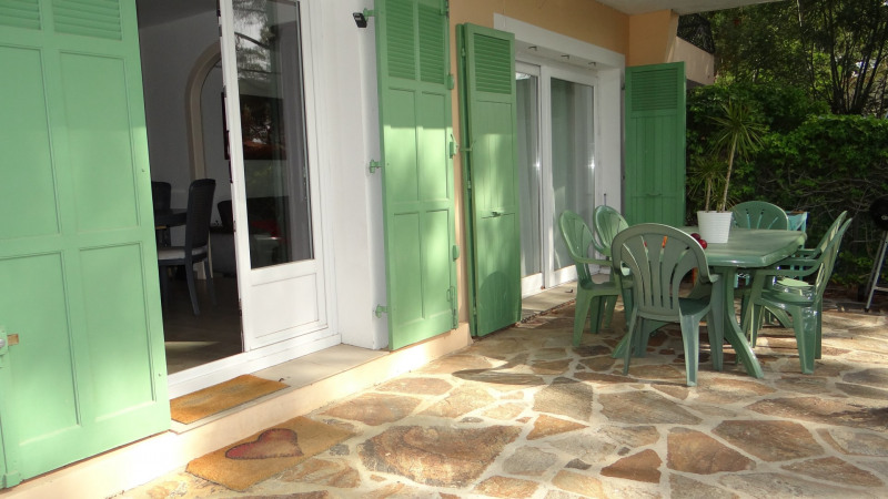 Sale apartment Cavalaire 289 000€ - Picture 2