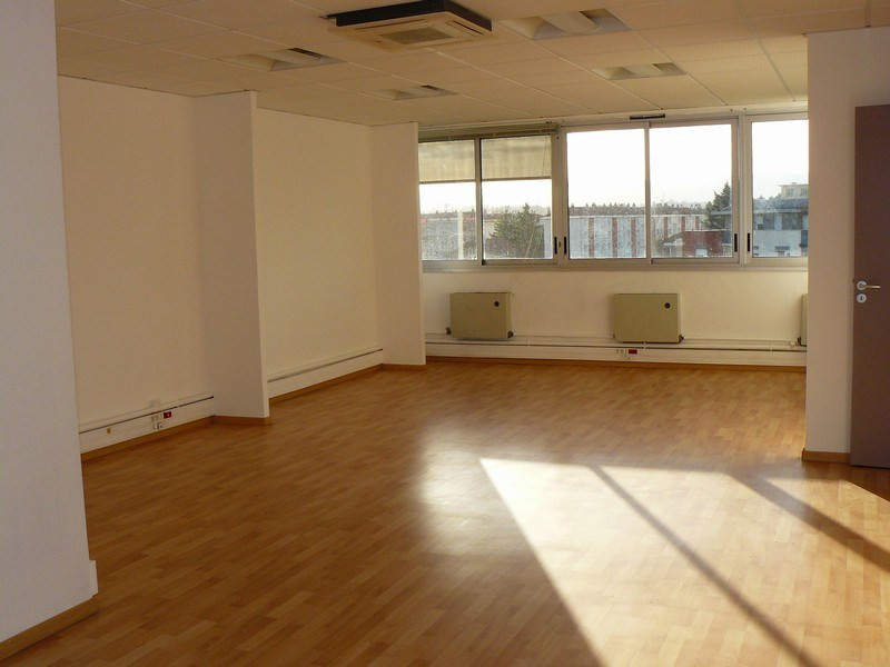 Rental empty room/storage Tassin la demi lune 1 500€ CC - Picture 4