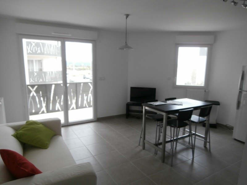 Rental apartment Manosque 890€ CC - Picture 1