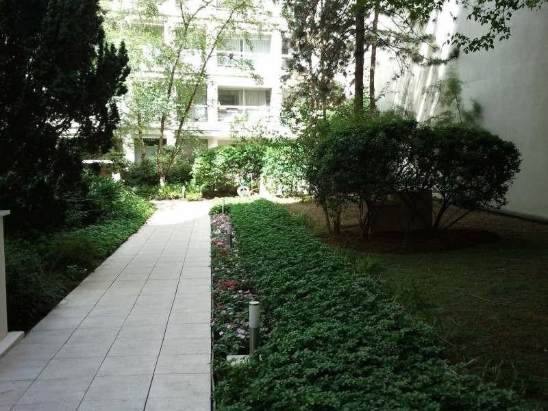 Location appartement Paris 16ème 2259€ CC - Photo 7