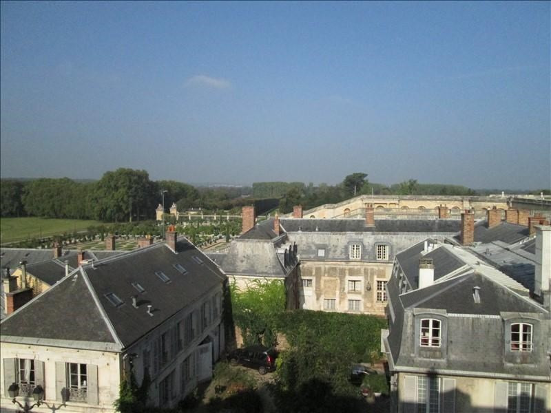 Rental apartment Versailles 1 500€ CC - Picture 1