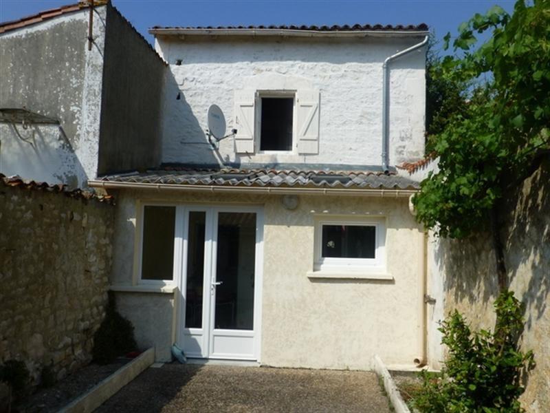 Rental house / villa Saint-jean-d'angély 410€ CC - Picture 1
