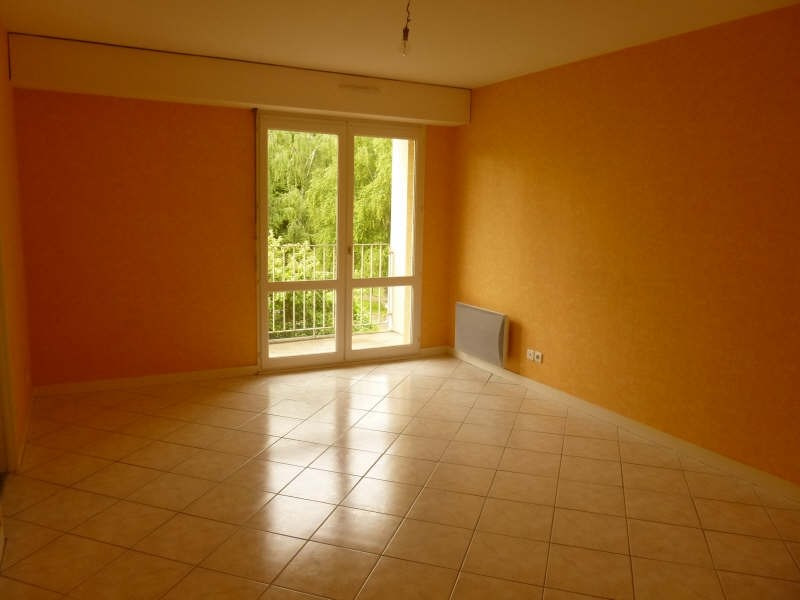 Rental apartment Poitiers 353€ CC - Picture 1