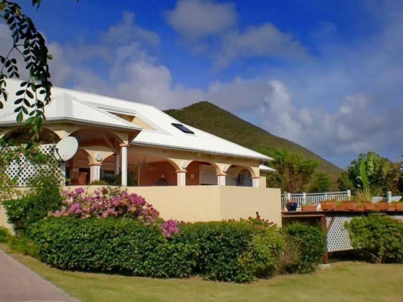 Deluxe sale house / villa St martin 735000€ - Picture 3
