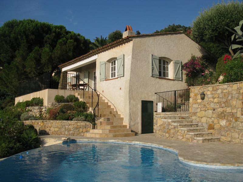 Vacation rental house / villa Les issambres 1910€ - Picture 1
