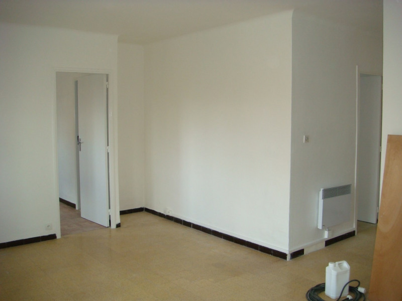 Rental apartment Aix-en-provence 790€ CC - Picture 1