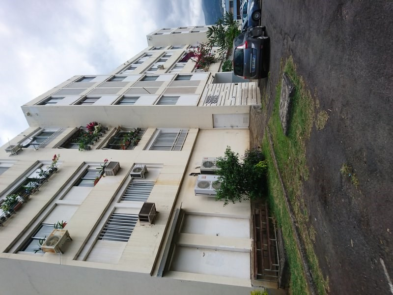 Sale apartment Ste clotilde 89 000€ - Picture 3