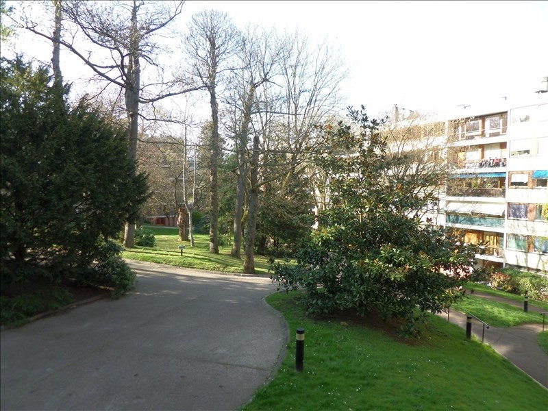 Sale apartment La celle st cloud 229000€ - Picture 1