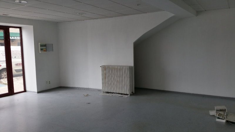 Location local commercial Terrasson la villedieu 32€ CC - Photo 2