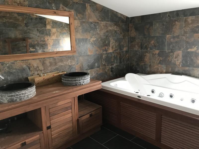 Rental house / villa Le port 2400€ CC - Picture 4
