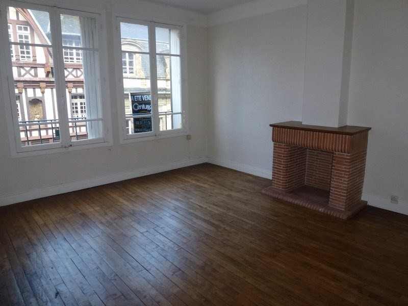 Location appartement Coutances 607€ CC - Photo 1